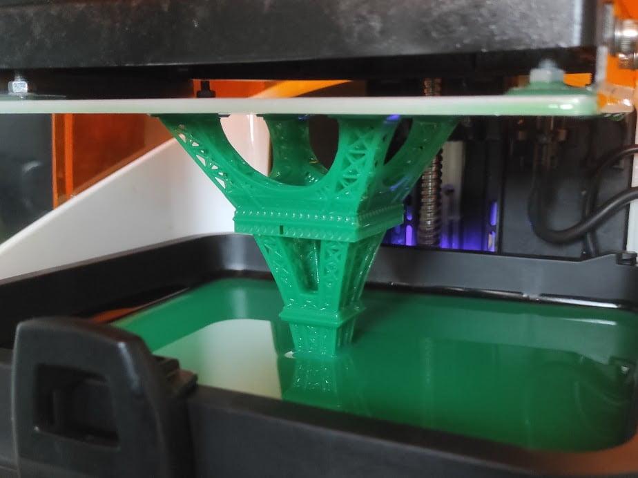 Impression 3D SLA tour eiffel